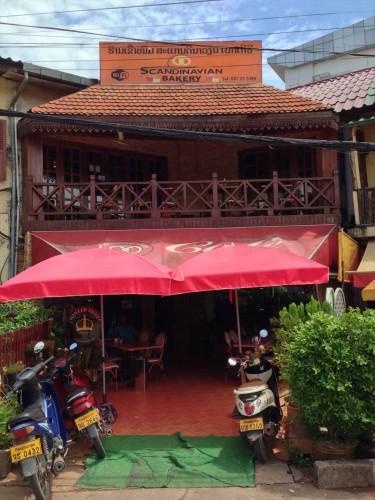 イビス ヴィエンチャン ナム プー ホテルから徒歩1~2分のところに老舗のカフェ「スカンジナビアン・ベーカリー」があります。 おすすめです。