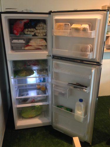 共用スペースにある冷蔵庫。