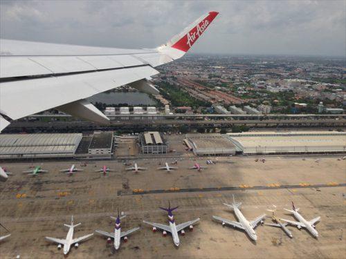 離陸直後の上空から見たドンムアン空港-搭乗記-エアアジア-タイ・バンコクからラオス・ビエンチャン-直行便