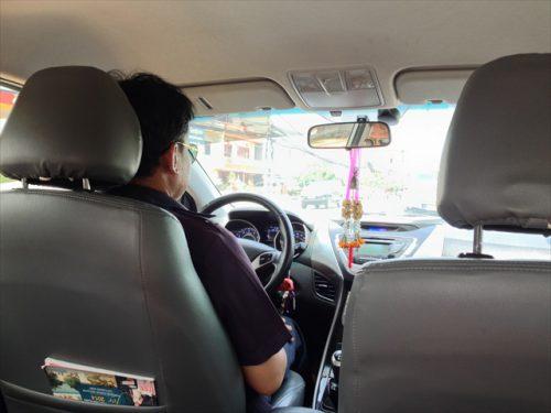 ラオス・ワットタイ国際空港から乗車したタクシー-搭乗記-エアアジア-タイ・バンコクからラオス・ビエンチャン-直行便